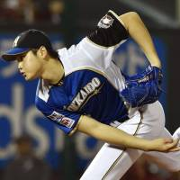 Take a good look: Shohei Otani threw a complete game and struck out 16 in his most recent outing for the Fighters. | KYODO