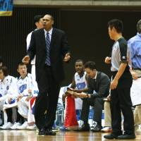 Moving on up: New Utah Jazz assistant coach Antonio Lang, seen while guiding the Mitsubishi Diamond Dolphins, says his coaching duties in Japan helped him land a job in the NBA. | KAZ NAGATSUKA