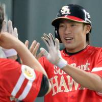 Willing to learn: Hawks slugger Yuki Yanagita has benefited from the advice of former MLB great Ivan Rodriguez. | KYODO