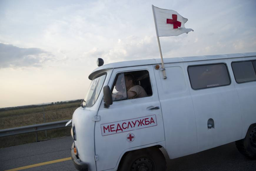 Russia sends huge aid convoy to Ukraine; Kiev demands Red Cross presence