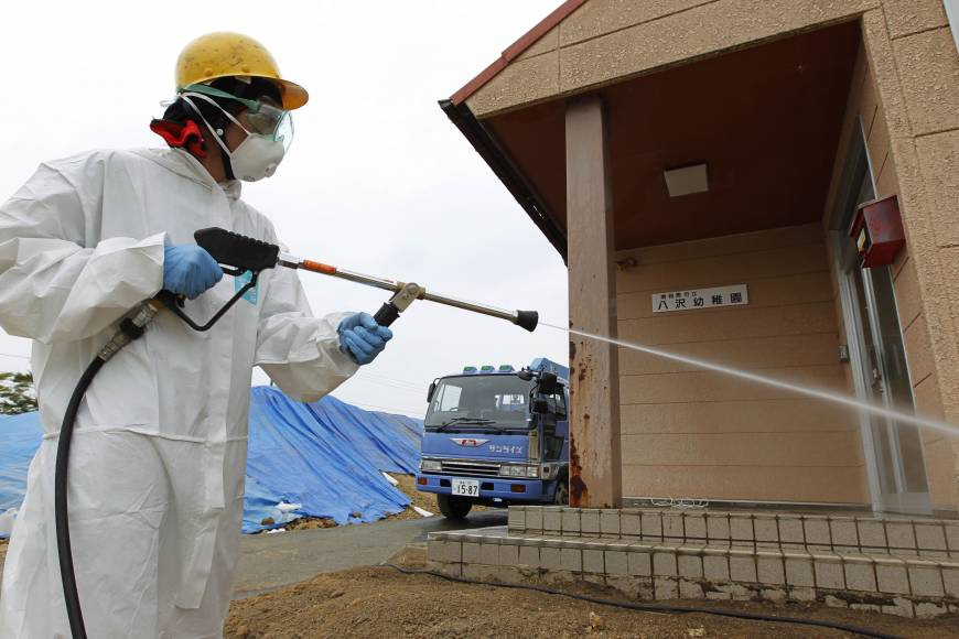 Scientist weighs homecoming risks in Fukushima