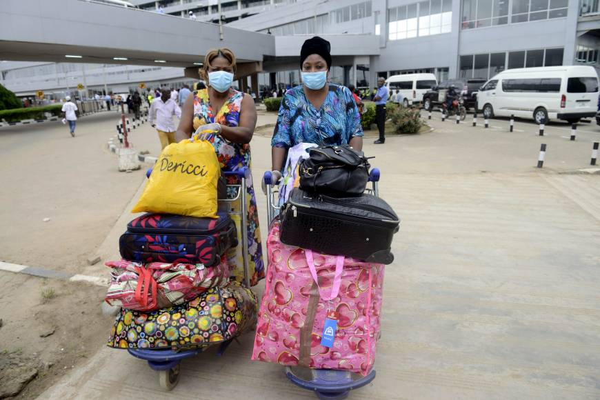 Ebola unlikely to spread to Japan: health ministry