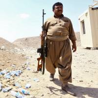 Islamic State extends gains in north Iraq, Christians flee