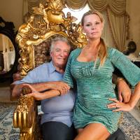 © 2012 QUEEN OF VERSAILLES, LLC. ALL RIGHTS RESERVED.