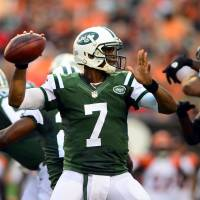 Still the leader: Jets quarterback Geno Smith, seen in action in a preseason game against the Bengals on Aug. 16, had a touchdown pass in a 35-24 loss to the Giants on Friday. | REUTERS/USA TODAY SPORTS