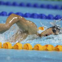 Versatility: Kosuke Hagino swims in the men's 400-meter individual medley final on Friday at the Pan Pacific Championships. Hagino claimed the gold in 4 minutes, 8.31 seconds.   | KYODO