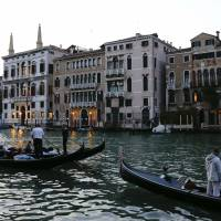 Venice to close Grand Canal walkway area for Clooney wedding