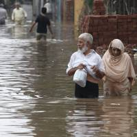 Worst flooding in 50 years in Indian Kashmir's Srinagar leaves 120 dead