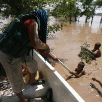 Monsoon floods kill nearly 300 in India, Pakistan; thousands stranded