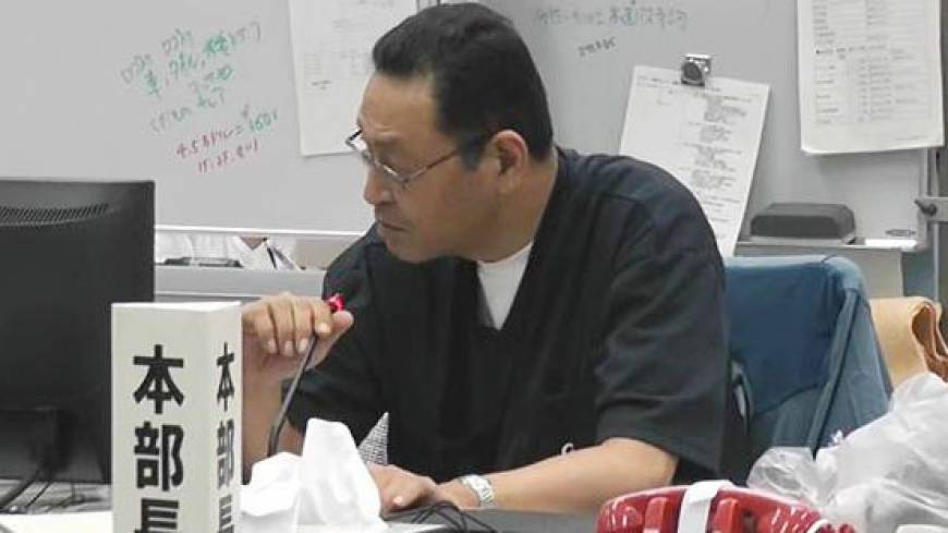 Masao Yoshida, chief of the Fukushima No. 1 nuclear plant when it suffered three catastrophic meltdowns, oversees the emergency response headquarters in May 2011.