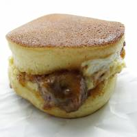Pancake sandwiches for sweet and savory tongues