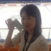 Hooked on skating: Misaki Mori, seen here at the Aichi Junior Grand Prix, is a dedicated fan who travels the world to watch her favorite skaters compete in person. | JACK GALLAGHER