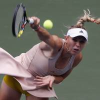 Ivanovic, Wozniacki advance to final