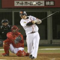 Productive outing: Giants star Hisayoshi Chono goes 3-for-4 against the Carp on Tuesday in Nagano. Yomiuri defeated Hiroshima 9-4.   KYODO