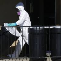 Dallas Ebola patient struggling to survive, not getting experimental drugs: CDC head