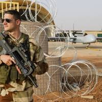 France to move troops toward Libyan border, monitor al-Qaida arms flow