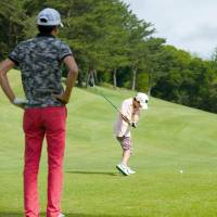 Golf turns to kids, other sports to lure younger players