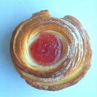 Croissant-muffin hybrid prepares to tackle the Cronut