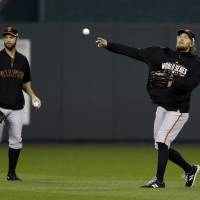 Giants look to close out Royals in Game 6 back in K.C.