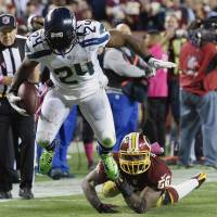 Seahawks overcome penalties, Redskins