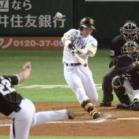 Nakamura's HR puts Hawks on brink of Japan Series title