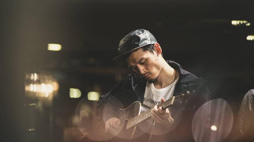 Chaos reigns: Albino Sound, one of two Japanese participants at this year's Red Bull Music Academy, takes part in the Chaos Conductor event. | YUSAKU AOKI / RED BULL CONTENT POOL