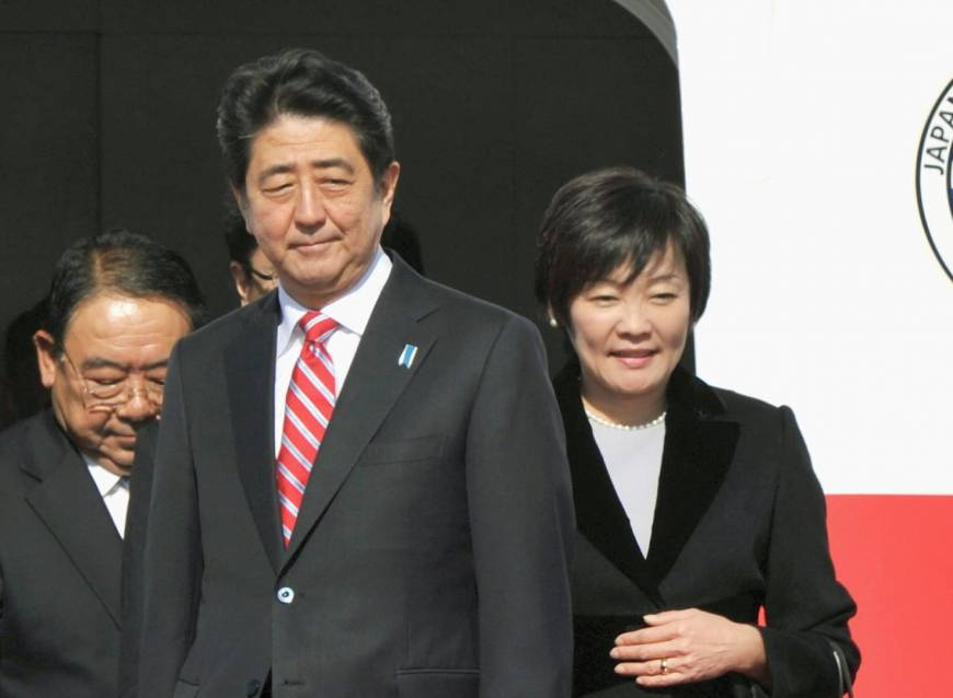 Abe denies plan to delay tax hike, dissolve Lower House