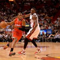 Paul, Clippers hand Heat third straight home loss