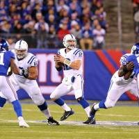Colts pound Giants