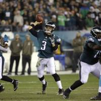 Eagles beat up on Panthers