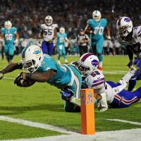 Tannehill leads Dolphins in comeback victory over Bills