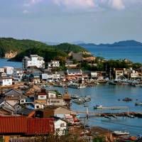 A view of Tomonoura Port, seen from Ioji Temple. | ANGELES MARIN CABELLO