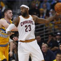 LeBron, Cavs still working out issues