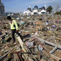 2004 tsunami survivors recall how mosques stood firm