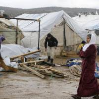 Countries vow to resettle more than 100,000 Syrian refugees: U.N.
