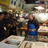 Documentary aims to preserve sights, sounds of Tsukiji fish market before it closes