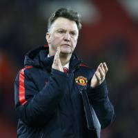 Manchester United improving, but van Gaal still faced with many issues