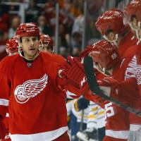 Red Wings beat Sabres to end skid