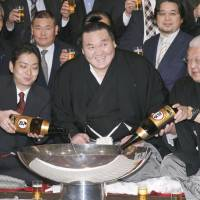 In praise of Hakuho, from those in the know