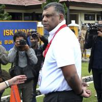 AirAsia boss credited for deft response to tragedy