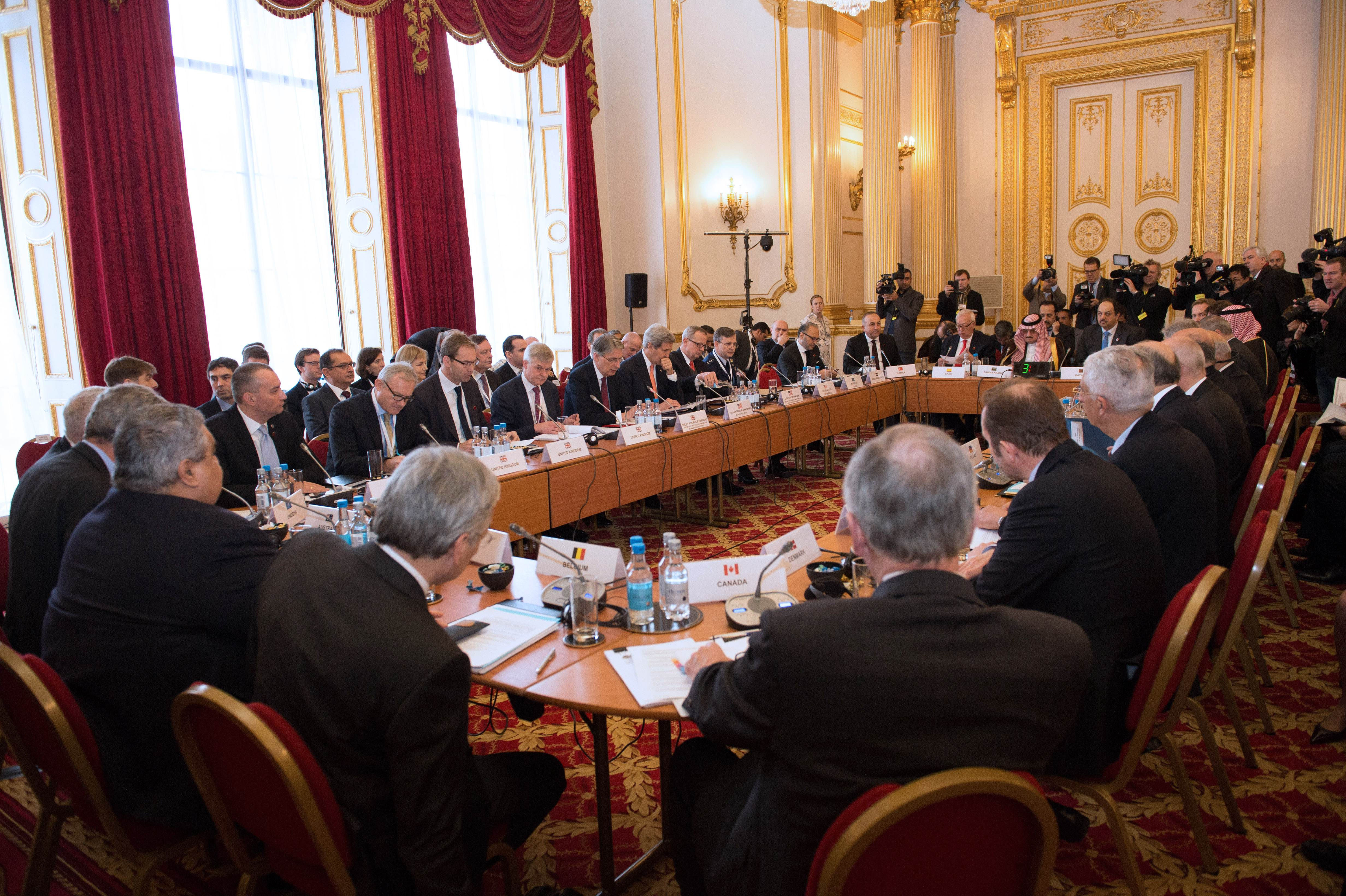 Top officials from 21 countries in the anti-Islamic State coalition meet at Lancaster House in London on Thursday to kick off talks on pushing back Islamic State group militants in Iraq and Syria and tackling the growing threat of homegrown extremists in Europe. | AFP-JIJI