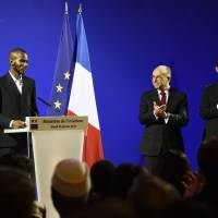 Malian man who saved lives at Paris kosher grocery gets French citizenship