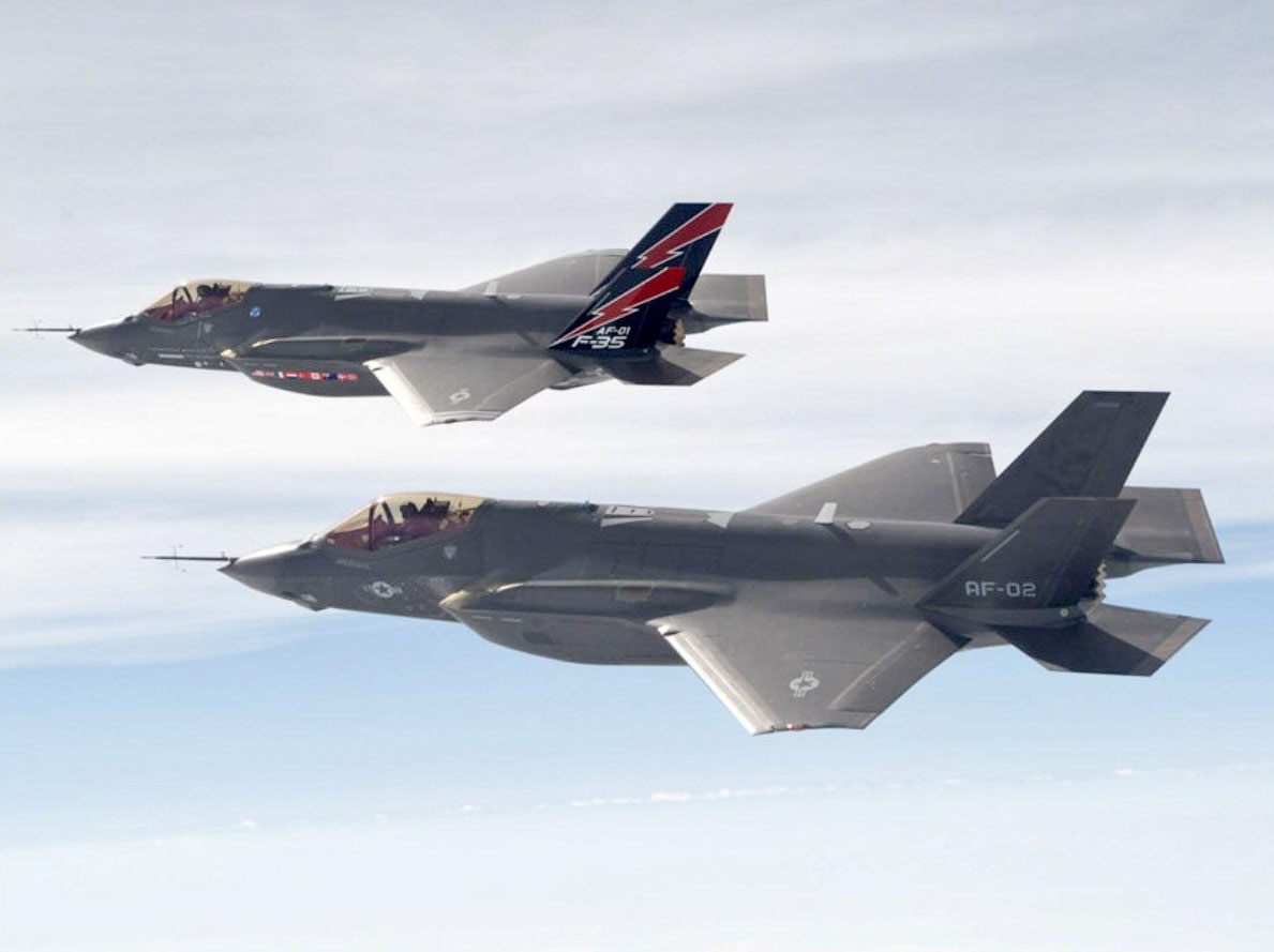 China's new Shenyang-31 strongly resembles the F-35 Lightning II, seen in this Lockheed Martin photo. A new report says Chinese cyberspies stole key design details years before Japan and Australia decided to purchase the F-35. | KYODO