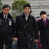 Extension of travel  ban on Sankei reporter 'grave humanitarian issue': Suga