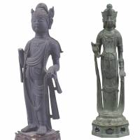 Standing together: Two portrayals of 'Standing Avalokitesvara Bodhisattva (Kannon Bosatsu),' both Important Cultural Properies.The one on the left is from the eighth century, while the one in center is dated 692. | COLLECTION OF GAKUENJI