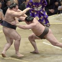 Hakuho bests legendary Taiho's record with 33rd career championship