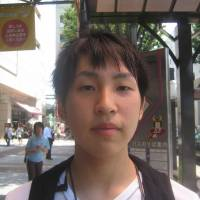 Satoshi Odagiri, Student, 17 (Japanese): The area here is very famous for grapes, especially in cities like Katsunuma, where you can pick grapes yourself or try locally produced wine. Also, there is a lot of history in Yamanashi, and Takeda Shingen is a famous figure.