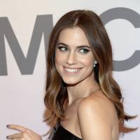 Actress Allison Williams defends her NBC anchor dad