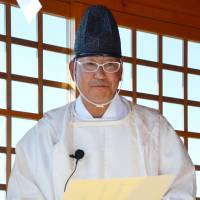 Tsunami zone volunteer becomes Shinto priest
