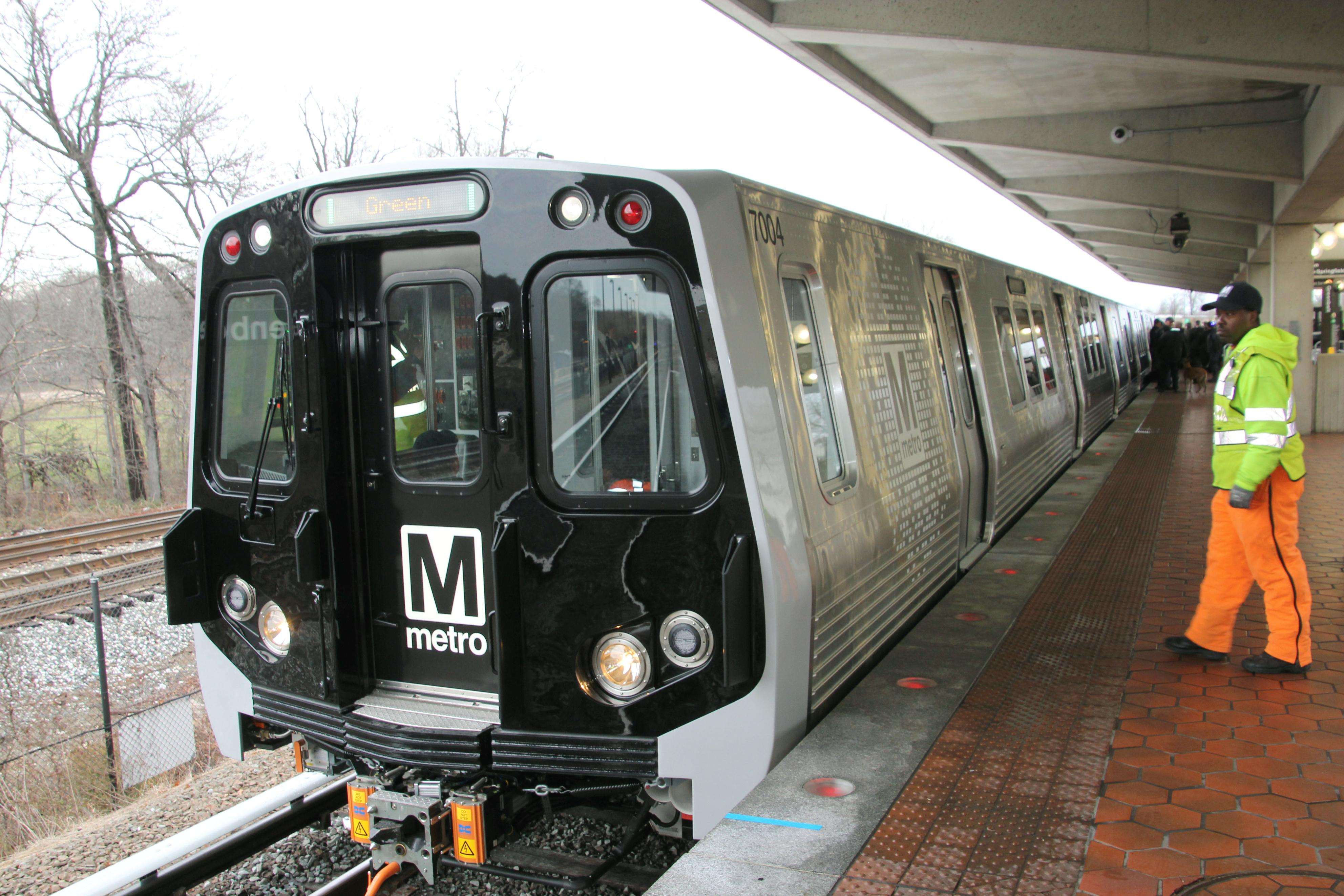 The operator of the Washington subway system unveils a new train in Greenbelt, Maryland, in January 2014. The train was supplied by Kawasaki Heavy Industries Ltd. Japanese manufacturers of railway vehicles face growing competition in the United States from their Chinese rivals as they prepare for the opening of a bid expected in 2015 for cars that will serve the planned California high-speed rail link. | KYODO